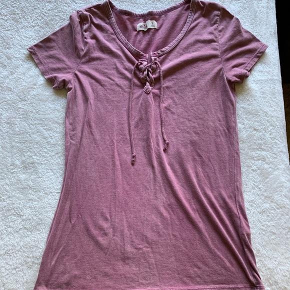 Hollister Tops - T Shirt